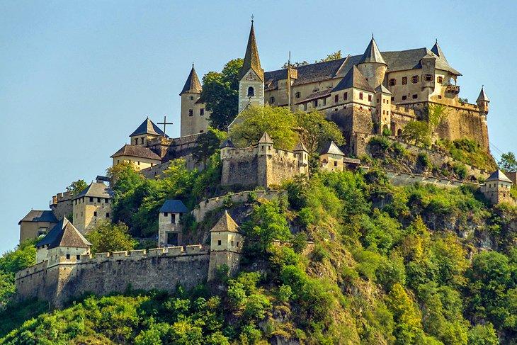 قلعة بورغ هوشويرفيتز