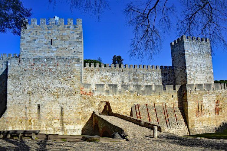 قلعة ساو خورخي
