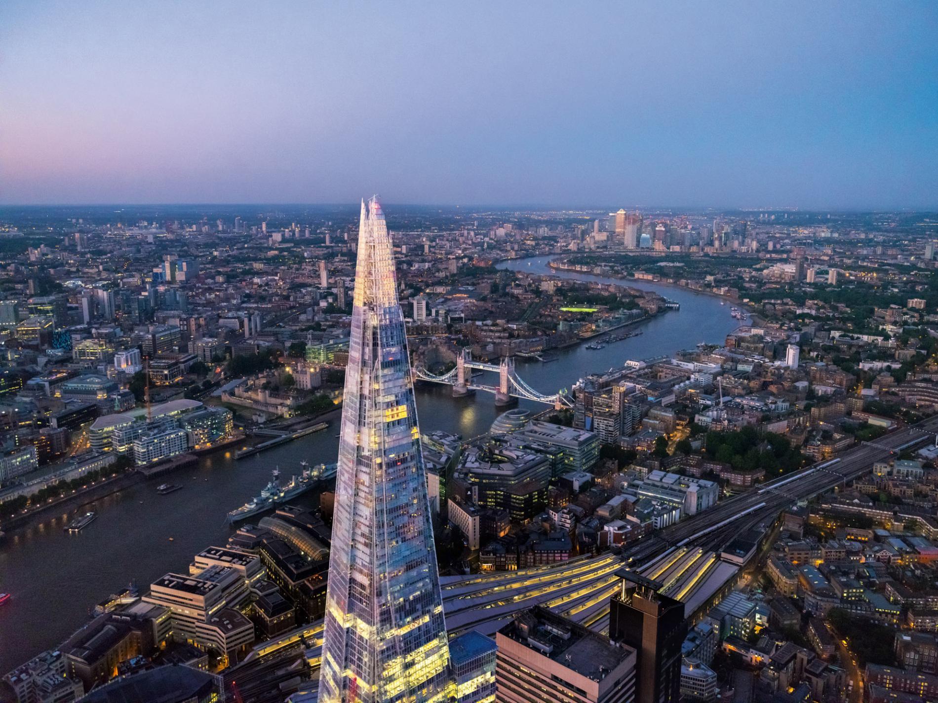 ما هي عاصمة انجلتر المسافرون الى اوروبا