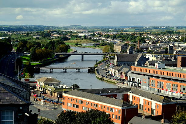 Louth هي أصغر مدينة في أيرلندا.