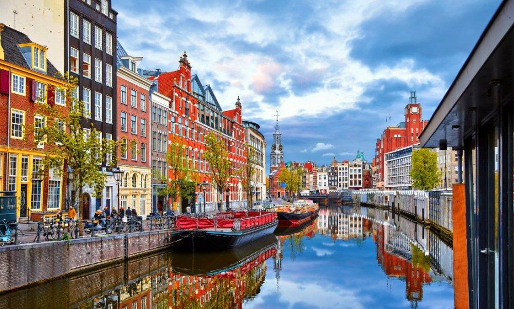 ما هي عاصمة هولندا