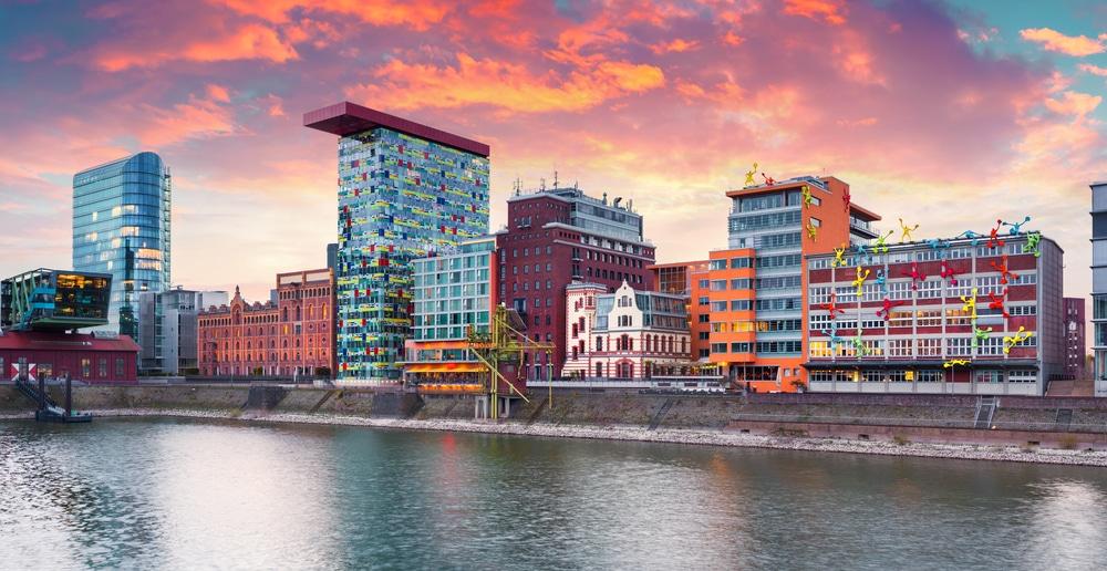 عدد سكان مدينة دوسلدورف الألمانية