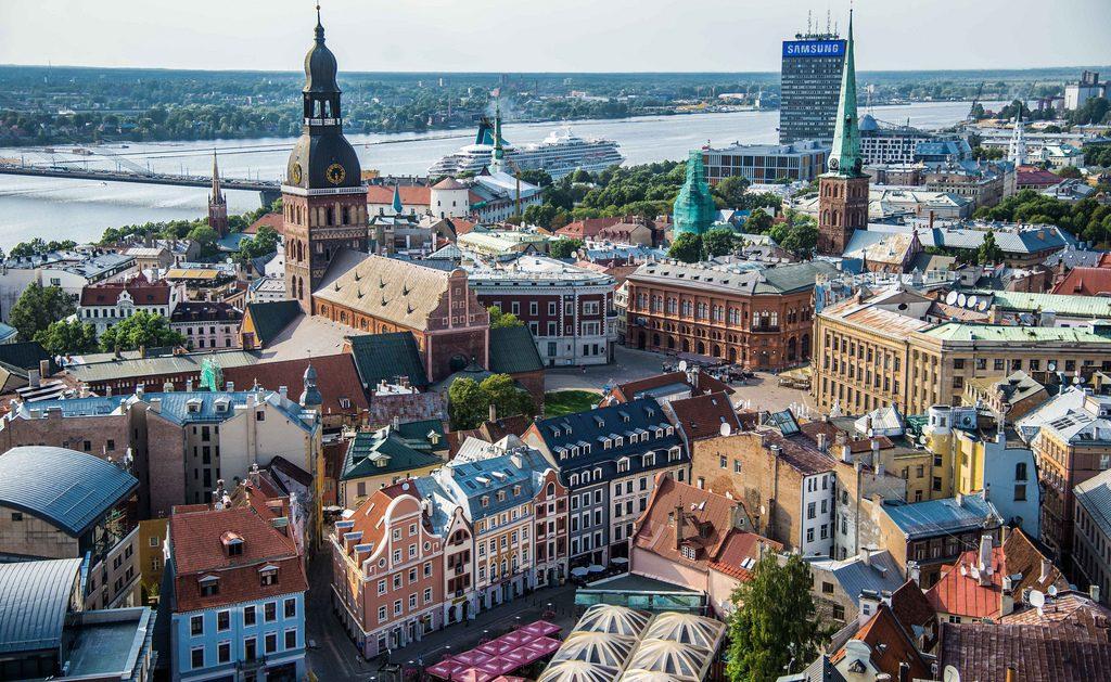 عدد سكان لاتفيا