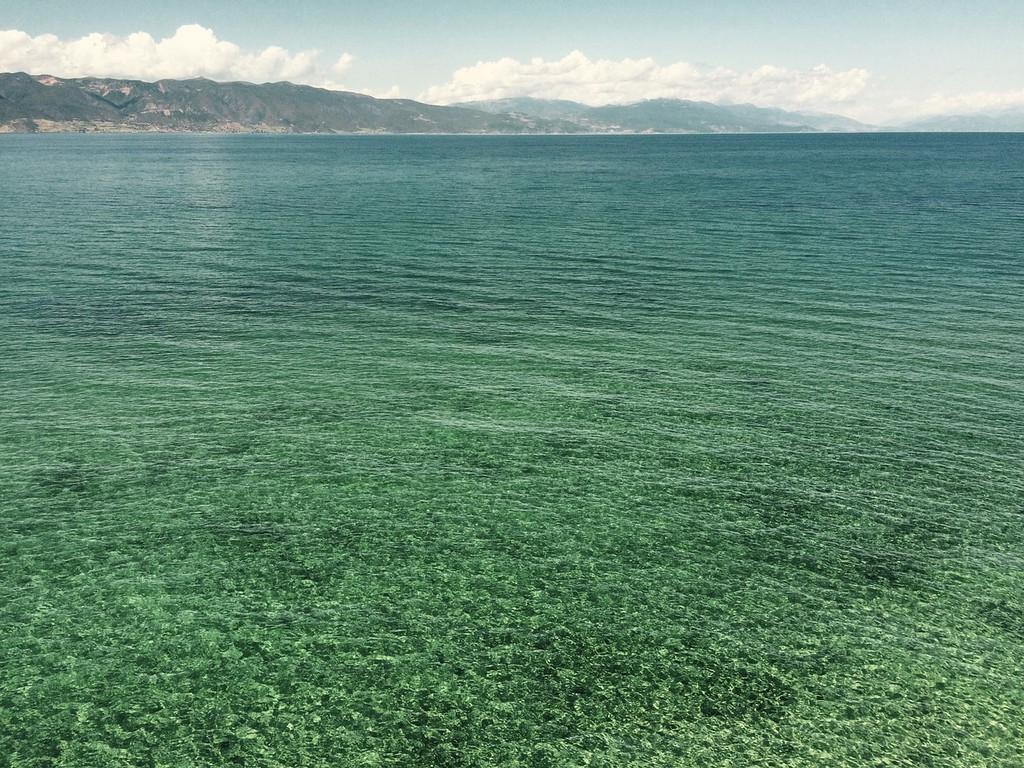البحيرات فى ألبانيا