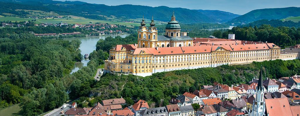 أجمل مدن سياحيه قريبه من فيينا