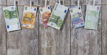 كيفية توفير المال في اسبانيا